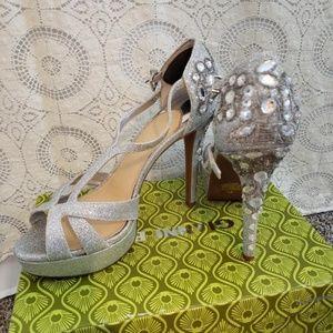 Gianni Bini Silver Heels 8